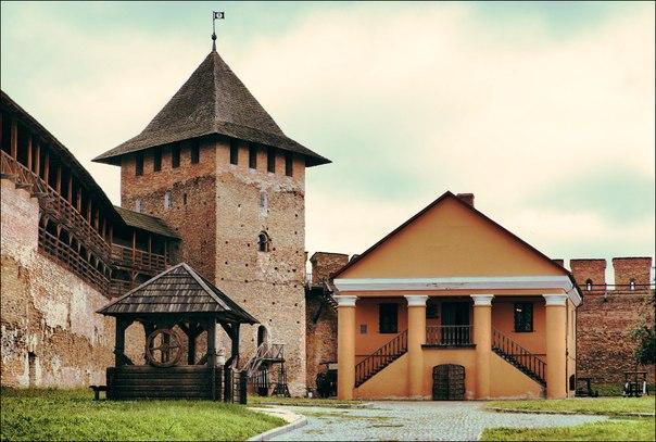 Луцький замок Любарта екскурсії