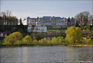 Вишнівецький палац. Фото з сайту vsviti.com.ua