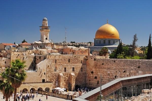 Замовити паломницький тур по Європі