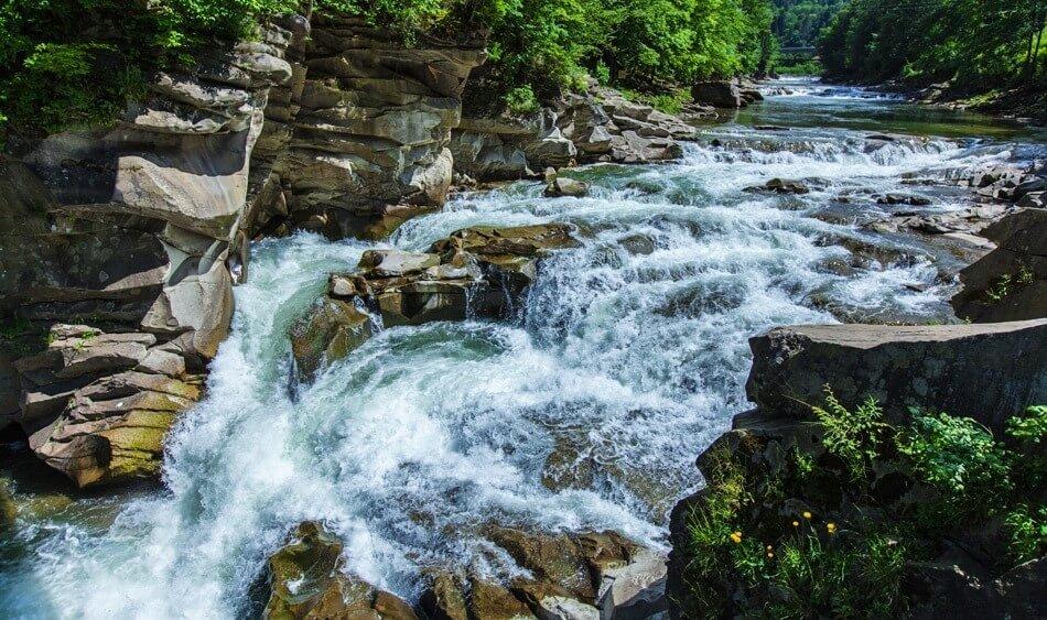Каскади водоспаду Пробій