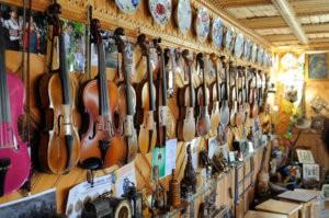 Приватний музей гуцульського побуту, етнографії та музичних інструментів Романа Кумлика