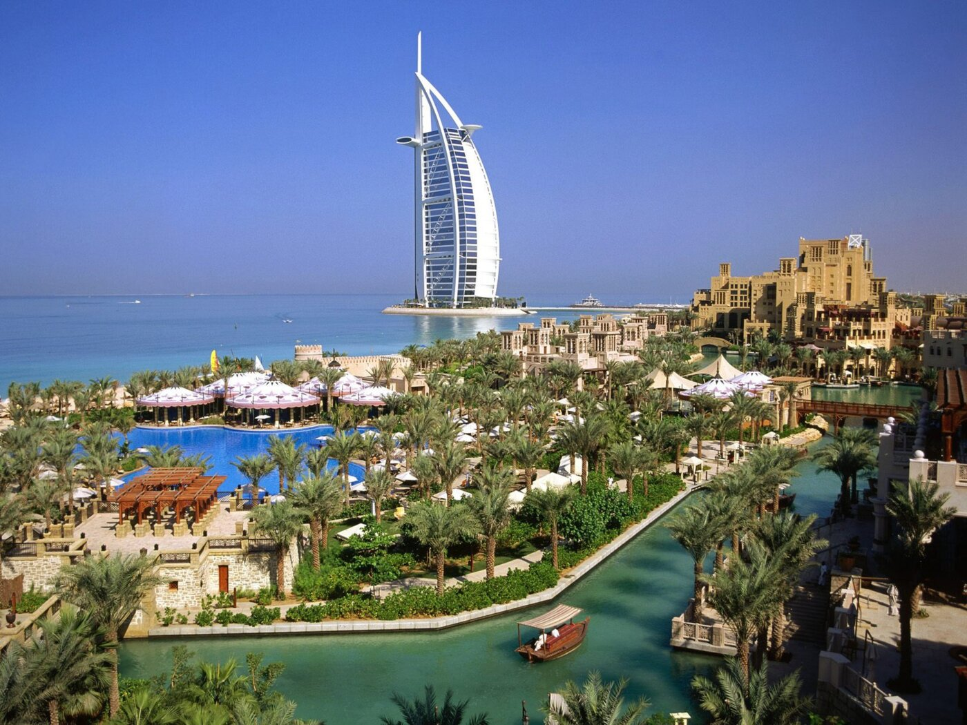 Екскурсійні тури в Африку та Близький Схід